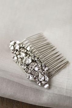 Tips for Choosing Bridal Hair Accessories  Veils http://#Wedding http://#Bride