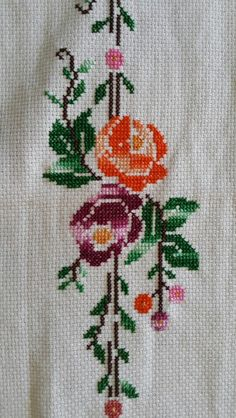 This Pin was discovered by Nur Easy Cross Stitch Patterns, Cross Stitch Art, Simple Cross Stitch, Cross Stitch Borders, Cross Stitch Flowers, Cross Stitch Designs, Cross Stitch Embroidery, Needlepoint Stitches, Needlework