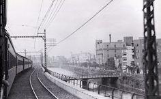 昭和11(1936)年8月、東海道本線の上り特急「さくら」車窓風景、新橋・東京間の土橋付近。