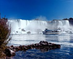 The Niagara region, especially the Canadian side of it, offers amazing and memorable romantic experiences to all couples. It offers world-class wineries, restaurants, charming B&Bs and cottages, lots of sightseeing and attractions. You will b