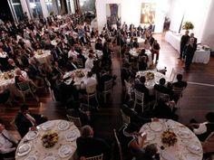 Blog do Arretadinho: Que tipo de governo paga um banquete para aprovar ...