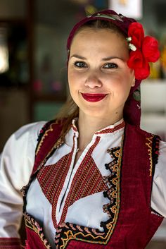 Traditional Macedonian costume World Of Color, Color Of Life, Costumes Around The World, Beautiful Costumes, Ethnic Dress, Folk Costume, People Of The World, Macedonia, Ethnic Fashion