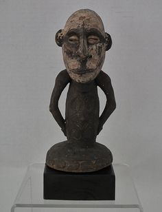Tribal Oceanic Papua-New Guinea Standing Ancestor Figure Sculpture African Masks, Papua New Guinea, Tribal Art, Native American, Arms, Ocean, Sculpture, Statue, Antiquities