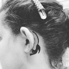 17 Cool Behind The Ear Tattoos Every Girl Should See - Tattoo For Women Mini Tattoos, Foot Tattoos, Cute Tattoos, Beautiful Tattoos, Tattoos For Guys, Tattoos For Women Small, Small Tattoos, Tatuagem Trash Polka, Secret Tattoo
