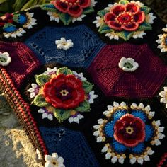 Stylecraft Frida's Flowers CAL | Happy in Red