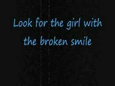 She Will Be Loved- Maroon 5 [[with lyrics]] - YouTube