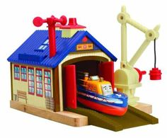 Amazon.com : Thomas And Friends Wooden Railway - Captain's Shed Story Pack : Toy Train Set Tracks : Toys & Games
