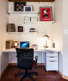 Home Office Pequeno: 21 Brilhantes Dicas + 50 Fotos → http://feitodecoracao.com/home-office-pequeno/ Confira: 21 dicas e ideias para decorar, melhorar ou montar seu home office pequeno + 50 fotos de alta resolução para você se inspirar! → http://feitodecoracao.com/home-office-pequeno/ #escritorio #homeoffice #decoracao
