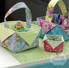 diy fabric easter basket video tutorial by crafty gemini Fabric Crafts, Sewing Crafts, Sewing Projects, Diy Projects, Quilting Projects, Diy Crafts, Sewing Hacks, Sewing Tutorials, Bag Tutorials
