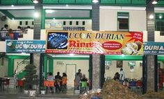 Durian fruit now flooding in Medan city, especially in December and January. Durian stall will be found like in Jalan Iskandar Muda or Pringgan, Simpang Pos, Jl Glugur, Kampung Lalang, Tembung, Patumbak and many more in other areas. - See more at: http://www.sigmanews.us/en/read/7501/medan-culinary-icons-ucok-durian-cafe-.html#sthash.5T9vkrfx.dpuf