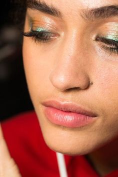 56 beauty looks from spring/summer '18 you'll want to try at home - Vogue Australia