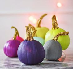 Painted Pumpkins with Glittered Stems - Aunt Peaches Glitter Pumpkins, Painted Pumpkins, Halloween Pumpkins, Holidays Halloween, Halloween Crafts, Halloween Decorations, Samhain Decorations, Halloween 2019, Halloween Party