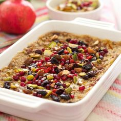 Saffron Pear Baked Oatmeal with Dried Fruit and Nuts Great Breakfast Ideas, What's For Breakfast, Breakfast Items, Breakfast Recipes, Baked Pears, Baked Oatmeal Recipes, Rice Milk, Pomegranate Seeds, Brown Rice