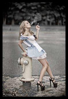 """Smoking"" Alice in Wonderland"