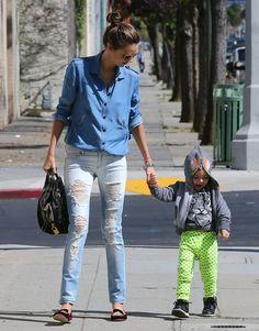 Miranda Kerr in Mango Distressed Super Slim Jeans