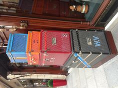 Parisian vintage cases Jukebox, Travel Bags, Parisian, Empty, Home Appliances, Cases, Vintage, Travel Handbags, House Appliances
