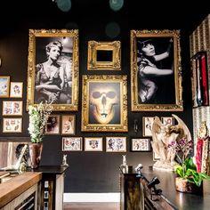 Vintage tattoo shop decor 28 Ideas for 2019 C Tattoo, Tattoo Und Piercing, New Tattoos, Tattoo Salon, Tattoo Shop Decor, Baroque Tattoo, Tattoo Studio Interior, Special Tattoos, Guest Room Office