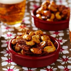 Sweet and spicy nuts recipe. Perfect Christmas gift or nibble with drinks. Spicy Nuts, Holiday Recipes, Christmas Recipes, Winter Recipes, Christmas Ideas, Roasted Nuts, Good Food, Yummy Food, Appetisers