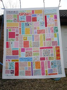So pretty... I really need to learn how to quilt.