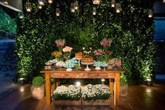 The decorated Wedding Cake Tables are an essential part of any wedding party as it is responsible for providing style and beauty in the event. Wedding Table, Wedding Cakes, Dream Wedding, Wedding Day, Candy Table, Wedding Decorations, Table Decorations, Romantic Weddings, Wedding Designs
