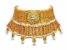 Tarun Tahiliani Bridal Jewelery for Azva. Image via Tarun Tahiliani. Pakistani Jewelry, Indian Jewelry, Quartz Jewelry, Gold Jewelry, Cartier Jewelry, Silver Necklaces, Resin Jewellery, Glass Jewelry, Silver Earrings