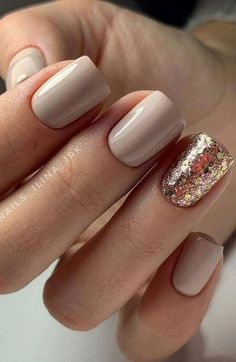 Stylish Nails, Trendy Nails, Shiny Nails, My Nails, Black Nails, Shellac Nails Glitter, Nude Nails With Glitter, Pretty Gel Nails, Shellac Manicure
