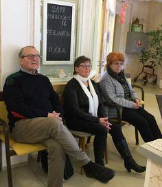 Kirjailija Panu Rajala 16.3.18 ja kuuntelijat