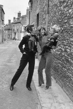 Net Image: Serge Gainsbourg: Photo ID: . Picture of Serge Gainsbourg and Jane Birkin - Latest Serge Gainsbourg and Jane Birkin Photo.