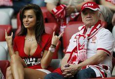 Poland's sexiest fan at Euro Hot Football Fans, Football Girls, Soccer Fans, Soccer Players, Female Football, Funny Football, Soccer Match, Soccer World, World Football