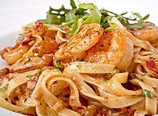 Tagliatelles+aux+gambas,+tomates+séchées+et+basilic ++    cuisineregionale.fr+de+vraies+recettes+réalisées+par+de+vrais+internautes