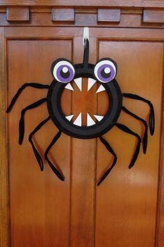 Halloween Spider Wreath  #halloween #wreath #halloweenspiderwreath