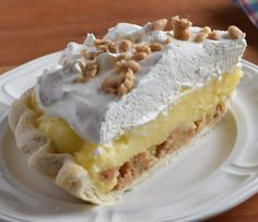 Amish Peanut Butter Pie is one of my favorites! So today I want to share with you my version of Amish Peanut Butter Pie. Amish Peanut Butter Pie Recipe, Peanut Butter Cream Pie, Peanut Butter Dessert Recipes, Amish Butter, Amish Recipes, Pie Recipes, Pastry Recipes, Yummy Recipes, Just Desserts
