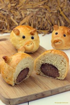 Morgen, de maandag na Driekoningen, is het 'Verloren Maandag'. Naar Belgische traditie eet men op die dag worstenbroodjes en appelbollen. Eerst waren er enkel worstenbroodjes. De appelbollen zijn er pas later aan toegevoegd om ook iets zoets te hebben om te knabbelen. Vooral in de provincie Antwerpen houdt deze traditie stand. Die dag kloppen de …