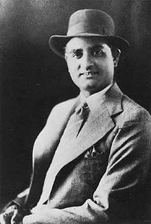 K L Saigal , the legendary actors and singers East Pakistan, Famous Singers, Bollywood Songs, Tv Actors, Film Industry, Classic Movies, Classical Music, Memoirs, Superstar
