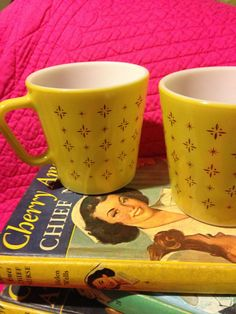 Pyrex Foulard Coffee Cups Awesome shipping included. 30.00, via Etsy.