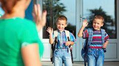 7 φράσεις που πρέπει να λέτε στο παιδί σας πριν ξεκινήσει για το σχολείο - http://www.ipaideia.gr/paidagogika-themata/7-fraseis-pou-prepei-na-lete-sto-paidi-sas-prin-ksekinisei-gia-to-sxoleio