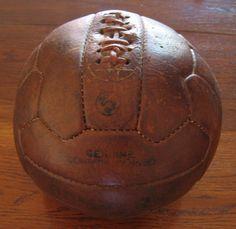 Balón de fútbol, Bomber Pakistán (India) 1940. (Colección particular de Pablo Gines)
