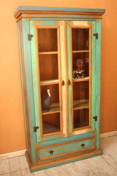ארון ויטרינה צבעוני מעץ ממוחזר