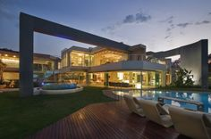 """This amazing modern mansion, dubbed """"Glass House"""" is located in Johannesburg, South Africa. It was designed by Nico van der Meulen Architects. It features square feet of luxurious living space with an open layout. Houses Architecture, Interior Architecture, Glass House Design, Fachada Colonial, Casa Clean, Home Modern, Modern Interior, Design Exterior, Modern Mansion"""