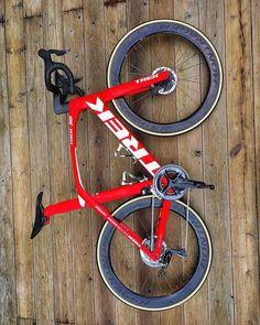 Trek Road Bikes, Road Cycling, Cycling Bikes, Trek Madone, Best Road Bike, Road Bike Frames, Push Bikes, Bicycle Girl, Bike Style
