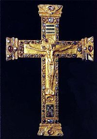 The Otto-Mathilda Cross is a masterpiece of Ottonian art. Medieval Jewelry, Ancient Jewelry, Medieval Art, Religious Cross, Religious Images, Religious Jewelry, Christian Symbols, Christian Art, Sign Of The Cross