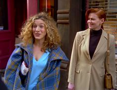 """Duvet Cover as Daywear Here Are All 90 Outfits Carrie Wore On """"Sex And The City,"""" Season 1 Carrie Bradshaw Outfits, Carrie Bradshaw Style, Fashion History, 90s Fashion, Fashion Tips, City Fashion, Fashion Quotes, 90s Inspired Outfits, City Outfits"""