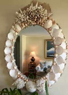 Shell Mirrors - Seashore Chic (for inspiration) Seashell Art, Seashell Crafts, Beach Crafts, Diy And Crafts, Seaside Decor, Beach House Decor, Coastal Decor, Diy Home Decor, Mirror Crafts