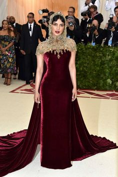 The first Monday in May annually brings together the great and the good from the realms of fashion and film for the Met Gala. See all of the Met Gala 2018 dresses and outfits straight from the red carpet, below. Fashion Mode, Fashion Show, Fashion Looks, Fashion Stores, Fashion Trends, Gala Dresses, Nice Dresses, Club Dresses, Elegant Dresses