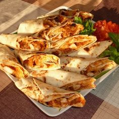 Diet Recipes, Healthy Recipes, Taco Pizza, Canapes, Quesadilla, Barbecue, Bakery, Tacos, Food And Drink