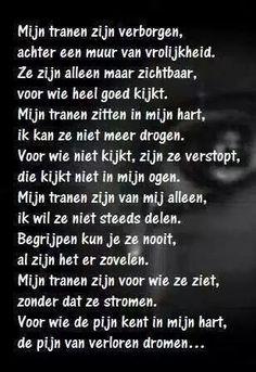 Geregeld ff dit jaar. Sad Quotes, Words Quotes, Best Quotes, Love Quotes, Inspirational Quotes, Sayings, Dutch Words, Dutch Quotes, Les Sentiments