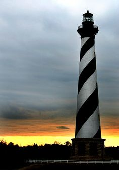 Around 1.25 million bricks were used to build the tallest lighthouse in America, a huge structure which lights up every 7 seconds to assist ships through the 'graveyard of the Atlantic', the diamond shoals.