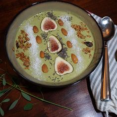 Green Banana Smoothie Bowl. Making smoothie bowls is so fun! and delicious!... and nutritious!