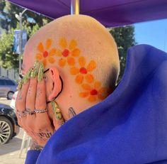 Dyed Hair Men, Dye My Hair, Hair Dye Colors, Hair Color, Pelo Guay, Shaved Head Designs, Buzzed Hair, Hair Patterns, Bald Hair