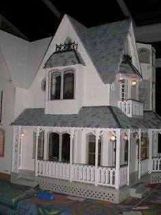 Removeable bay - Garfield - Victoria Villa - June 09 - Gallery - The Greenleaf Miniature Community
